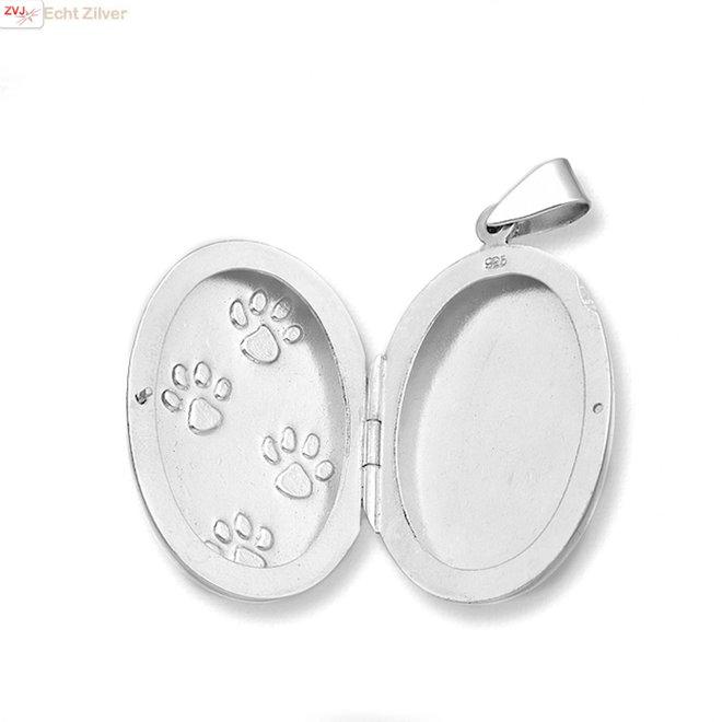 925 Zilveren groot medaillon met pootafdrukken van een hond of kat.