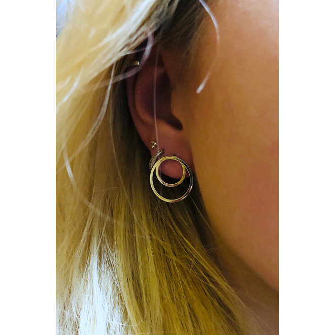 Zilveren spiraal cirkel oorstekers