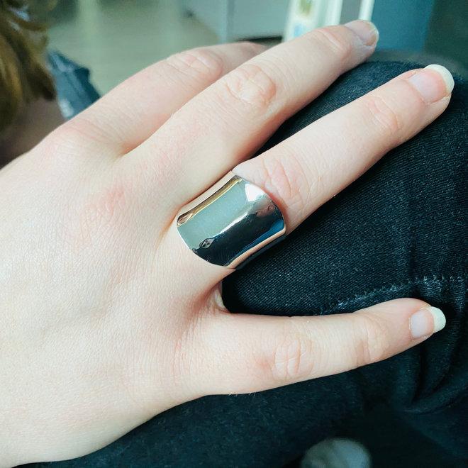 Zilveren brede wave ring