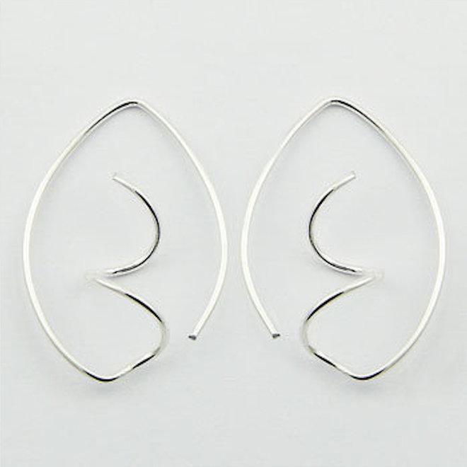 Zilveren design spiraal haak oorhangers