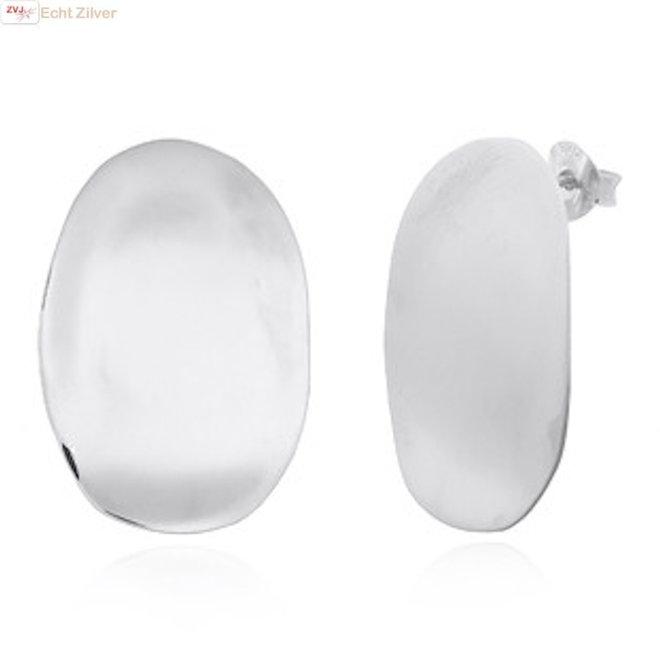 Zilveren grote ovale design oorstekers