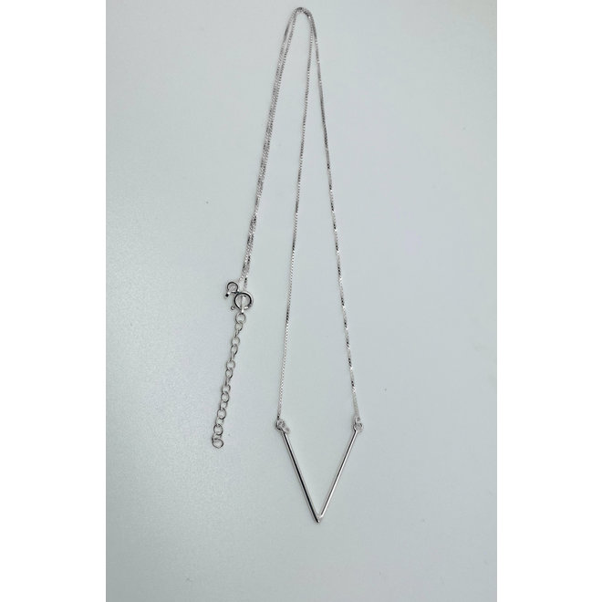 Zilveren grote V chevron ketting