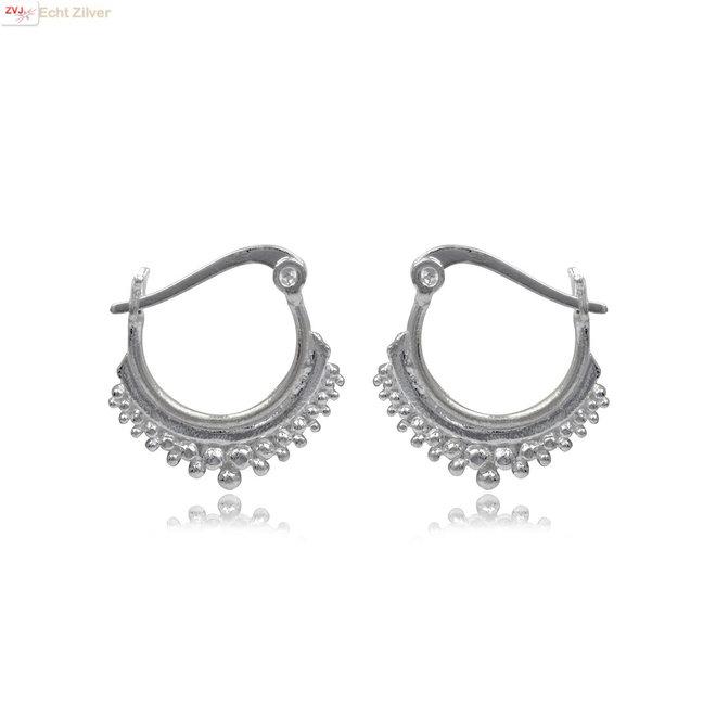 Zilveren oorringen dot ornamenten