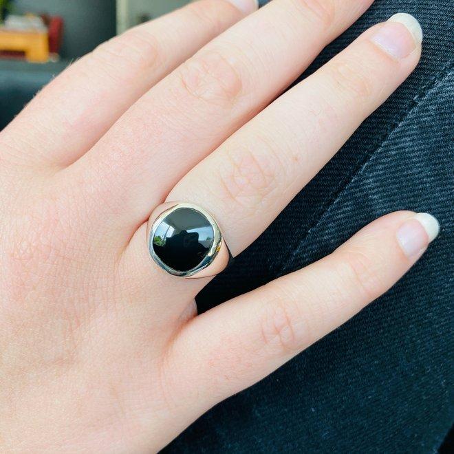 Zilveren zwarte onyx zegelring