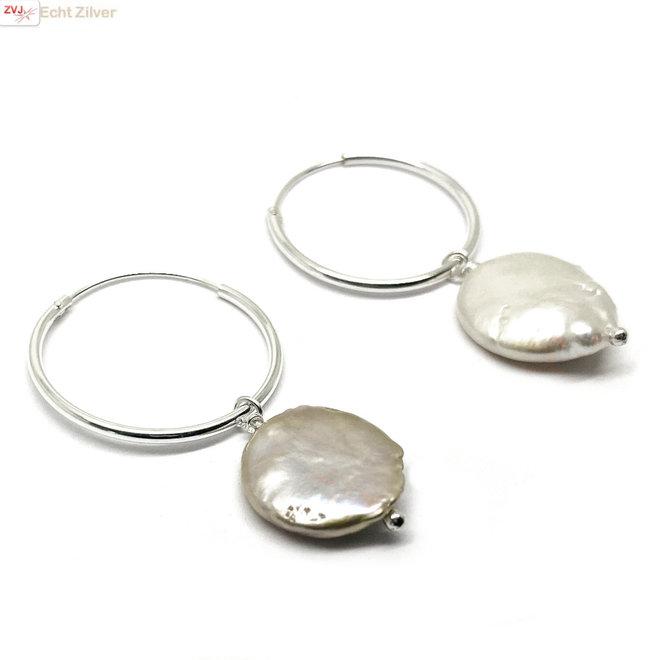 Zilveren creolen oorringen met natuurllijke zoetwaterparels