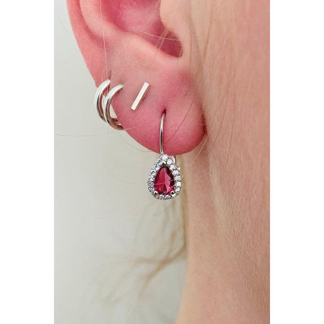 Zilveren robijn rode druppel oorhangers witte CZ