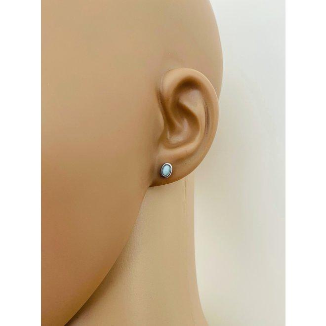 Zilveren ovale blauwe larimar oorstekers