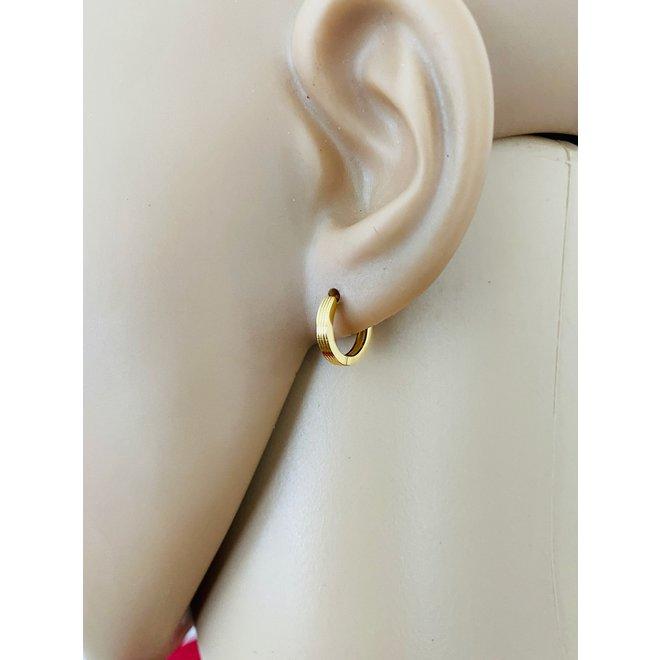 Goud op zilver huggie hoops stripes oorringen