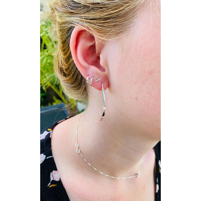 Zilveren curvy oorhangers