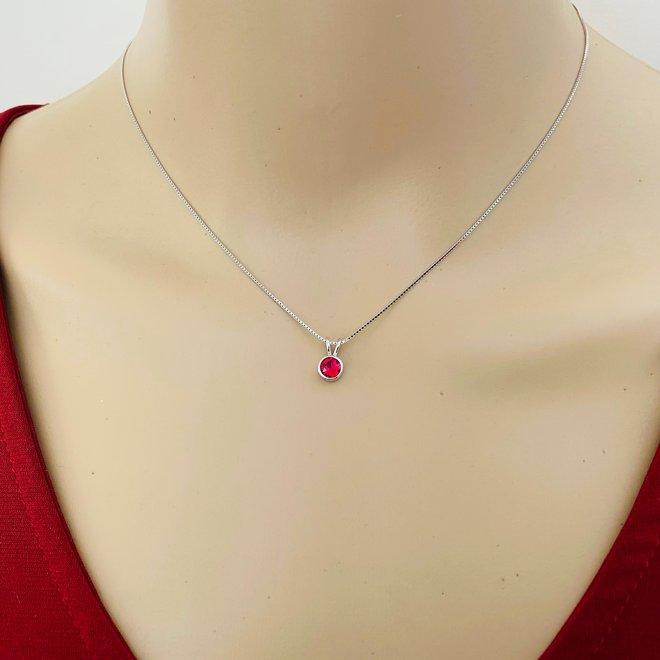 Zilveren Swarovski robijn rood kristal ketting