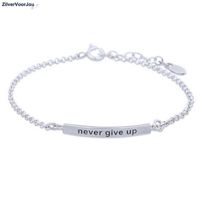 Zilveren never give up armbandje