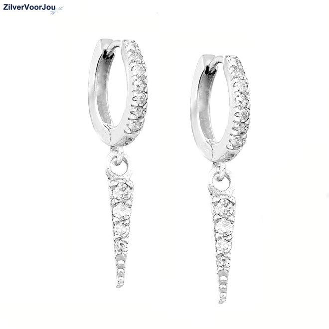 Zilveren triangel huggie oorringen witte zirkoon