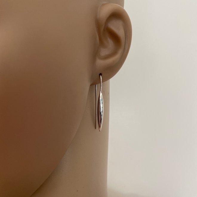 Zilveren lange druppel design oorhangers