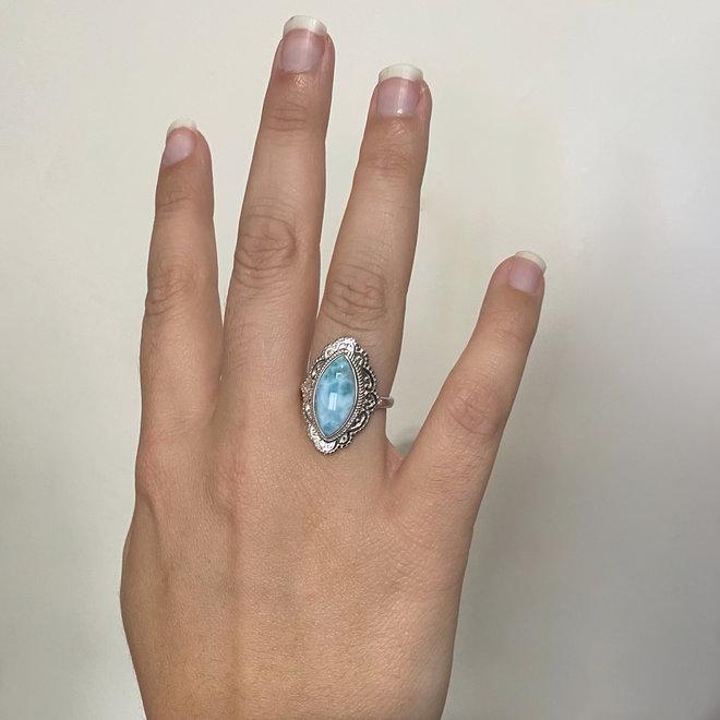 Zilveren blauwe larimar sier ring