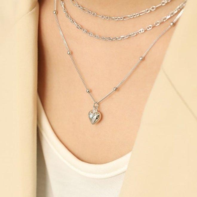 Zilveren balletjes ketting met hartje hanger