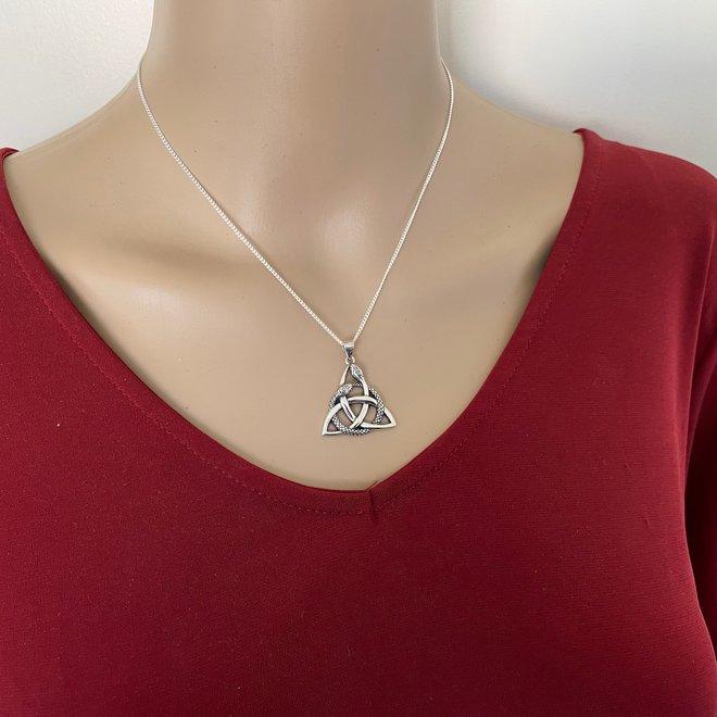 Zilveren keltische triskilon ouroboros slang hanger