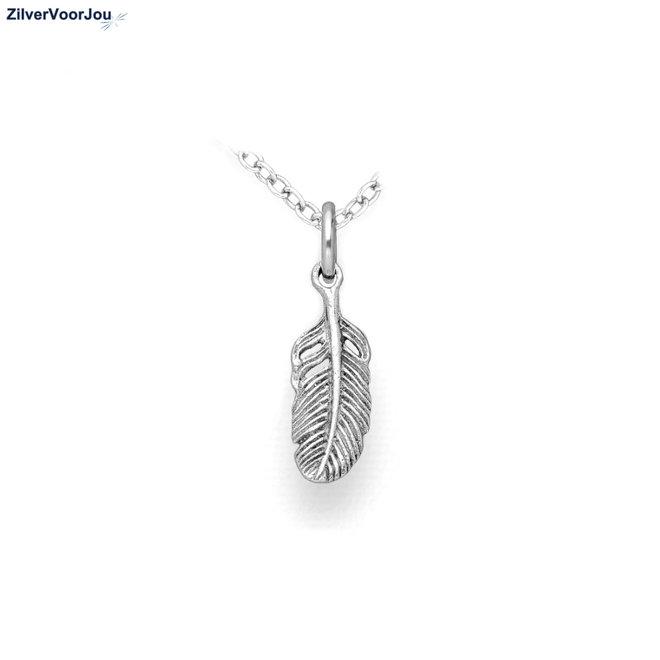 Zilveren ketting met veer hangertje