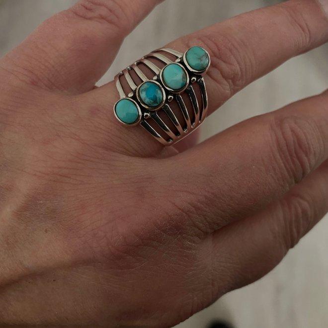 Zilveren grote natuurlijke turquoise ring met 4 stenen