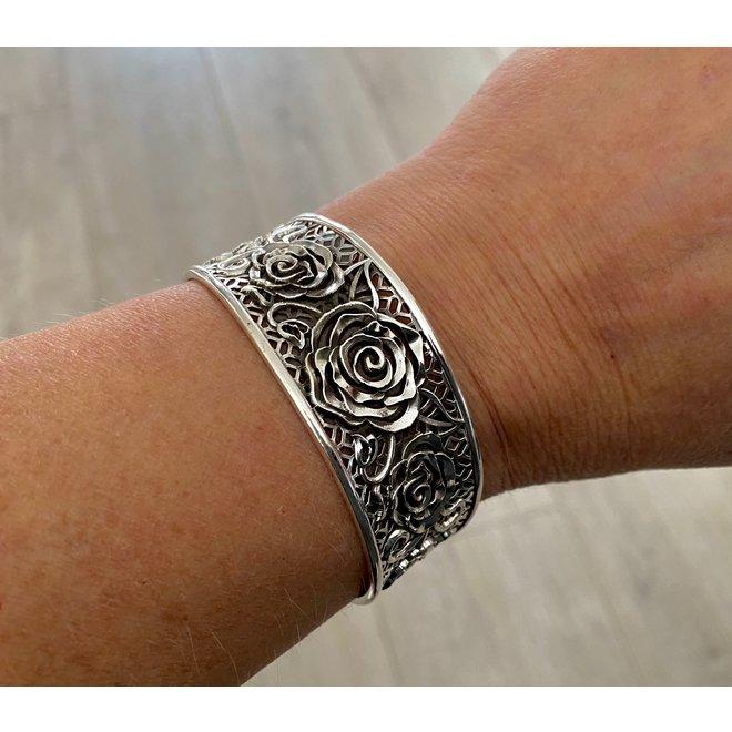Zilveren 25 mm brede roos klemarmband