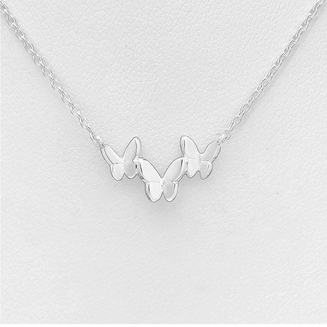 Zilveren fijne ketting met drie vlinders