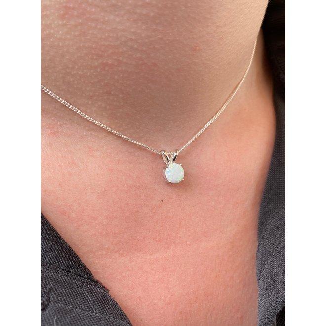 Zilveren kleine ronde witte opaal hanger