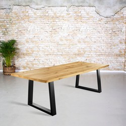 Massief eiken tafel | rechte rand met dunne Trapezium poot
