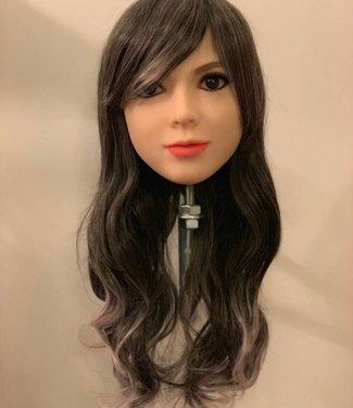 Damespruik 11 lang zwart/grijs haar met rose punten en slag