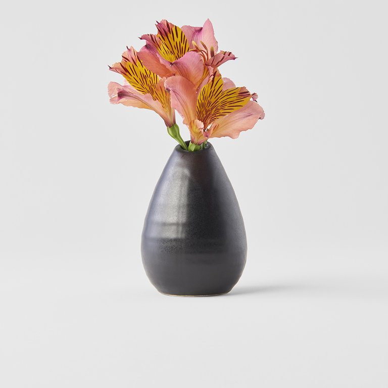 Vase small pinecone matt black 9cm
