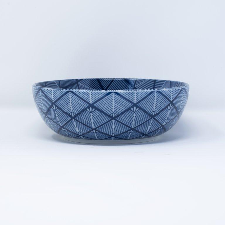Bowl blue and white cross hatch design 16cm x 5.5cm