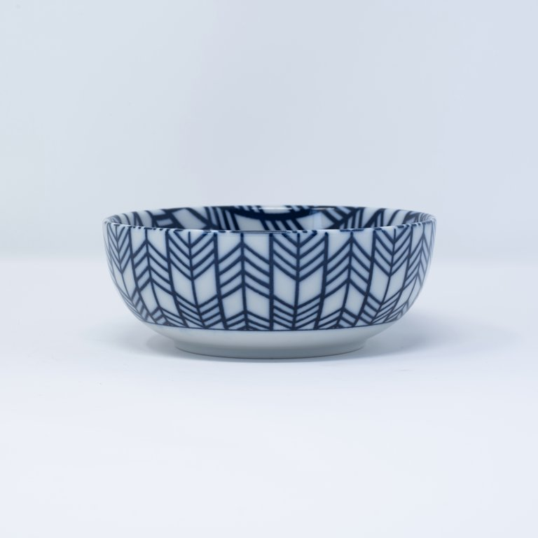 Blue and white bowl feather design 13cm x 5cm