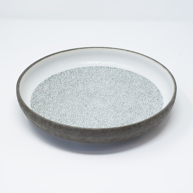 Crazed Grey high rim plate 22cm x 4.5cm