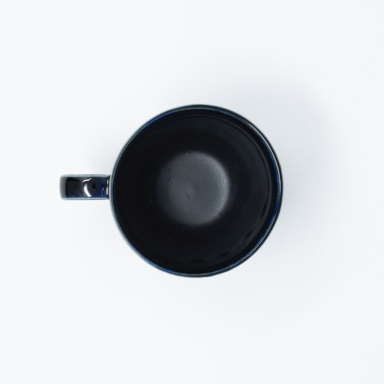 Black mug dark blue glaze with handle 225ml