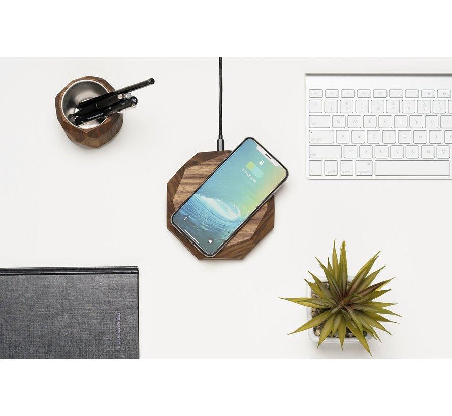 Houten draadloze telefoonlader met polygoon ontwerp