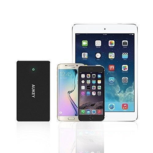 AUKEY 20000 mAh Quick Charge Power Bank met 20 cm micro USB-kabel voor iPhone 7 / Samsung / Kindle / Speakers