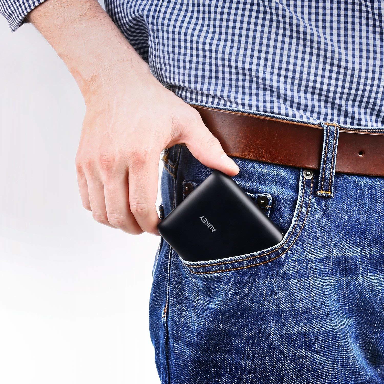 AUKEY draagbare oplader 10000 mAh Powerbank, Micro USB-ingang en 2 AiPower-uitgangen voor iPhone 8/8 Plus, iPad, Samsung, Kindle, LG, luidsprekers en tablets (zwart)
