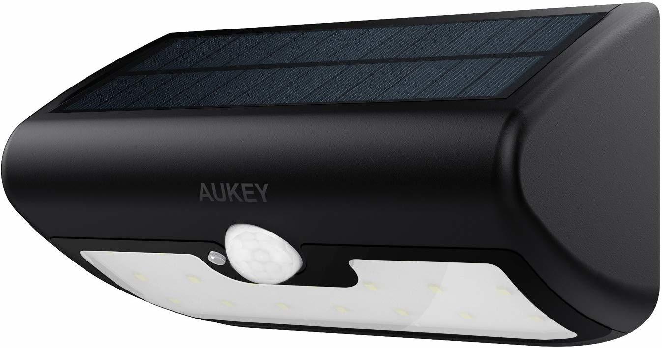 AUKEY-wandlamp op zonne-energie met bewegingssensor en afstandsbediening 18 LED 3 modi waterdicht buitenlicht voor tuin, terras of veranda (LT-SL2)