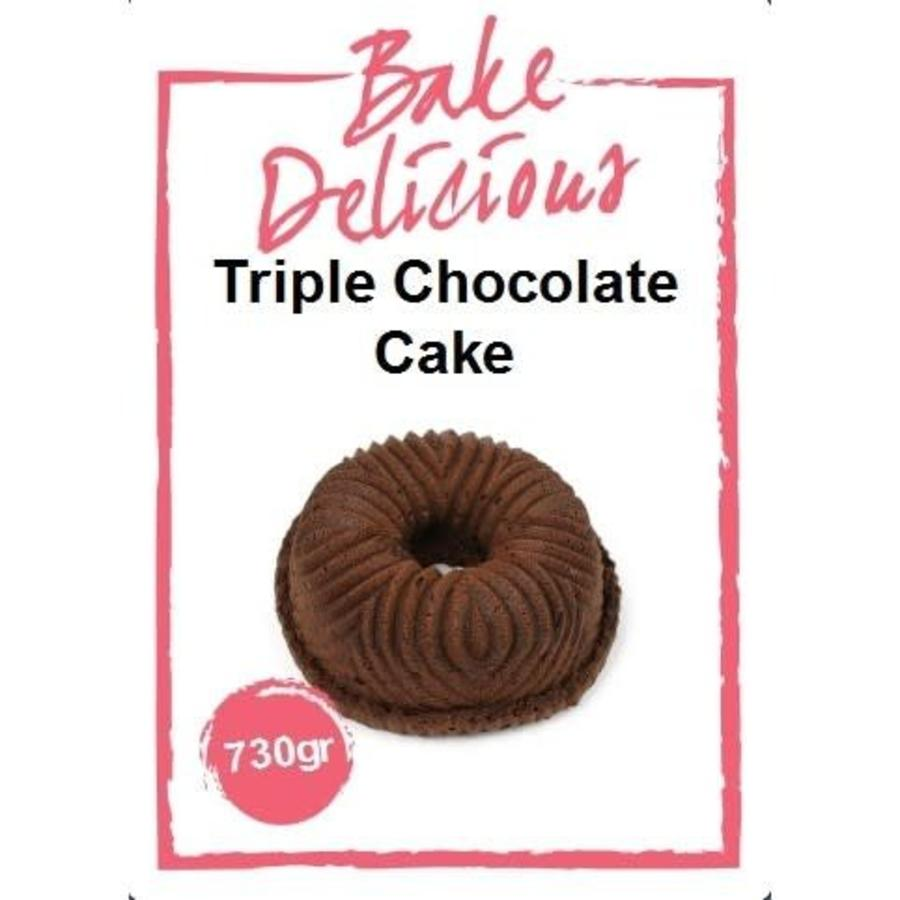bake delicious Tripel Chocolate Cake-2