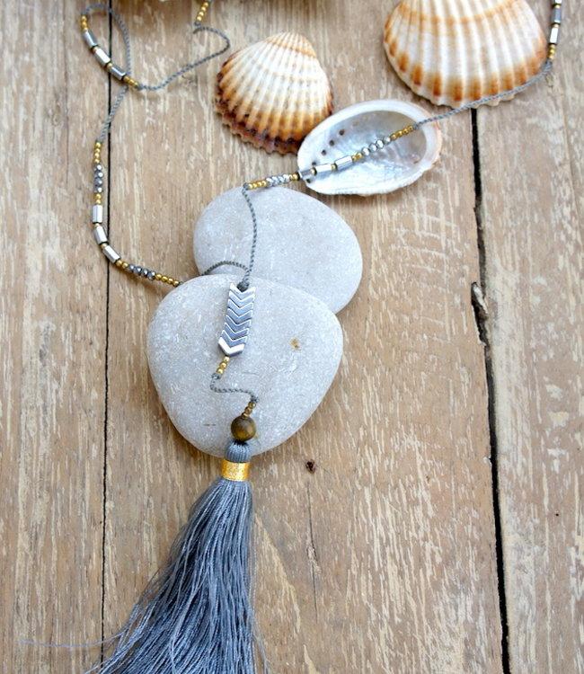 Hippy Chick Ematite Arrow Necklace Grey