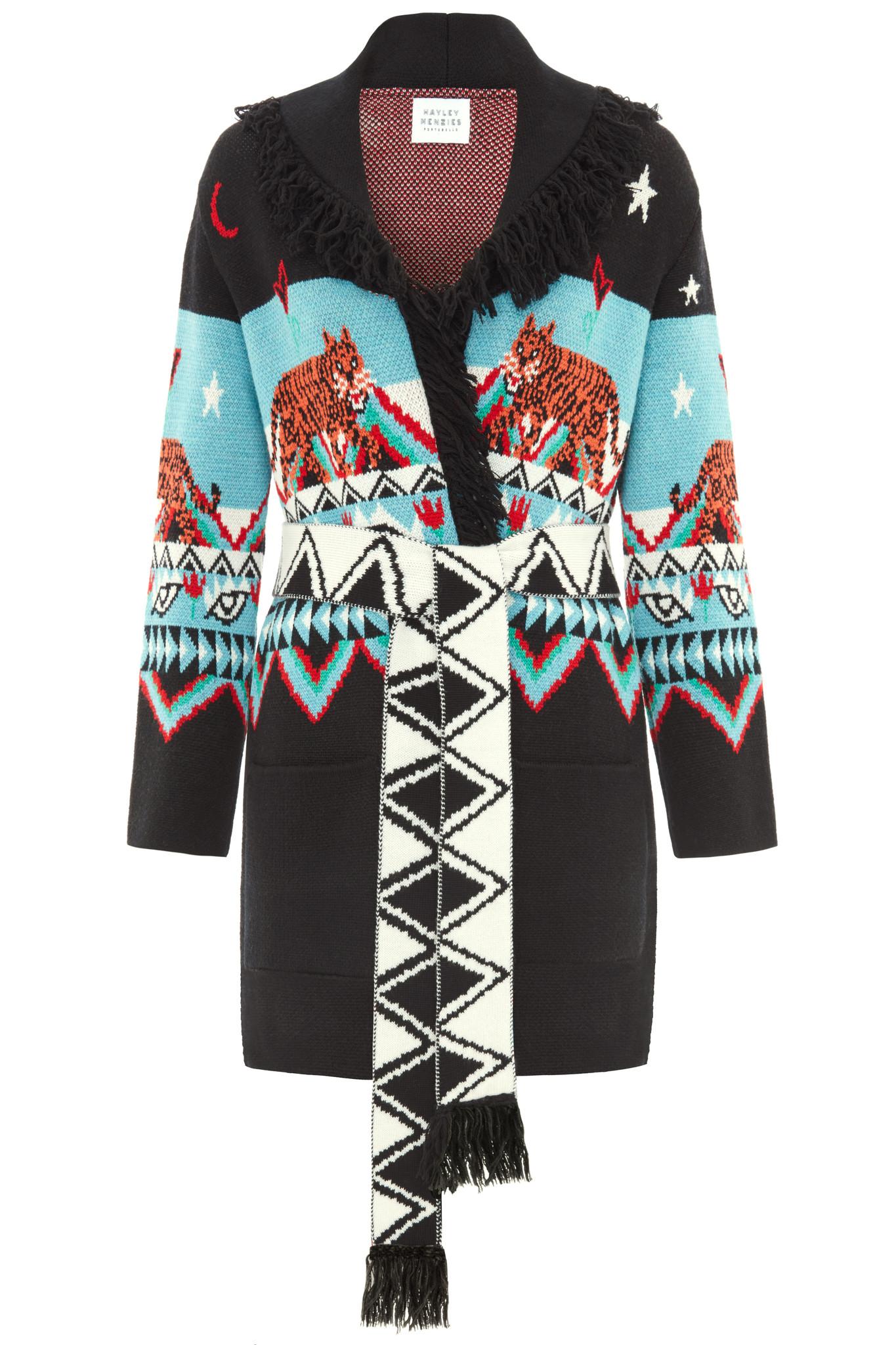Abheben ist eine Lebenseinstellung. Diese gekonnt gefertigte, extrafeine Jacke aus Merinowolle wurde auf einem Jacquard-Webstuhl hergestellt.