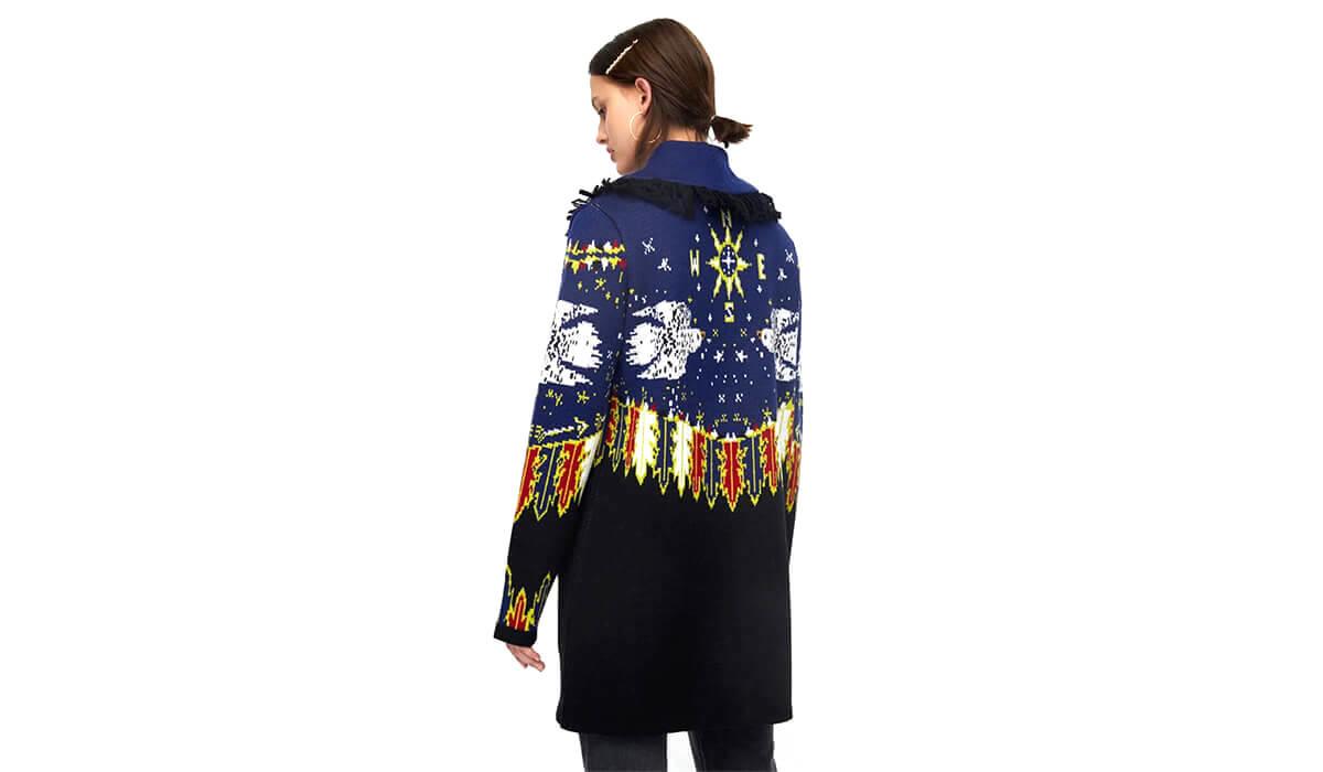 Extravagante Strickwaren und Pullover
