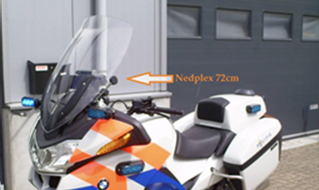 il y a10ans nous équipions une R1200RT de la Police hollandaise d'une bulle Nedplex de 72cm