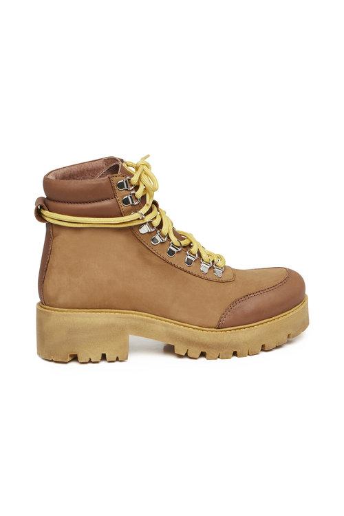 Cando Boots