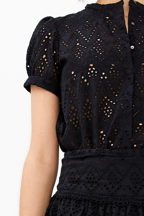 Bloom Embroidery Blouse