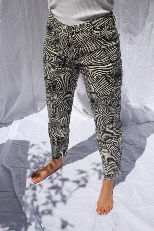 Nancy Jeans