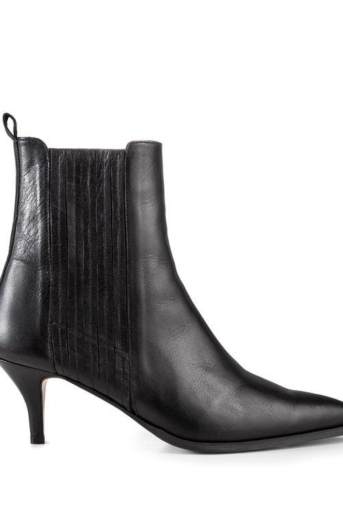 Ivylee Skylar Anilin Boots
