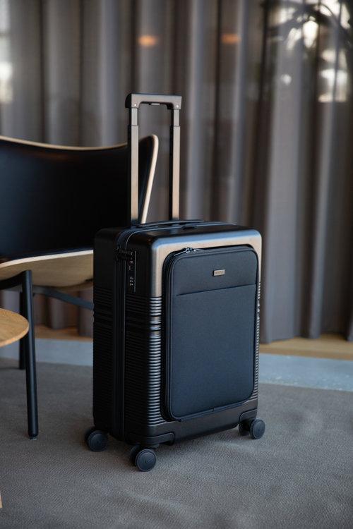 Nortvi Suitcase Midnight Black Front Pocket
