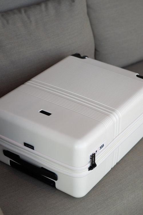 Suitcase Essential Sand White