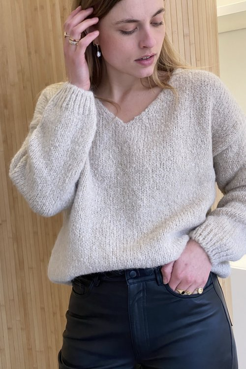 Knit-ted Begonia Pullover