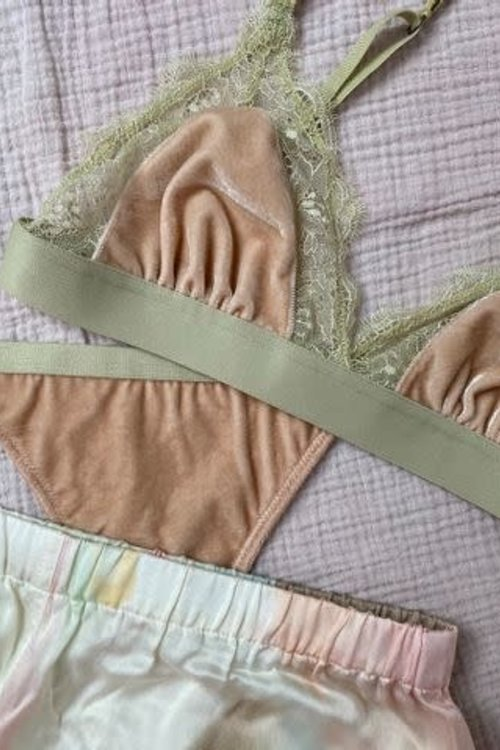 Love Stories Love Lace Rosemary BH