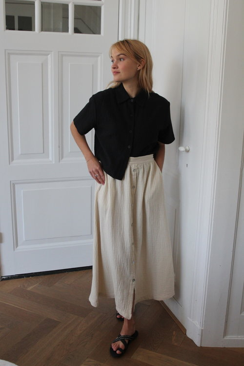 7115 Textured Cropped Button Down Shirt